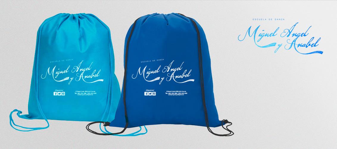 Diseño Gráfico, mochilas, merchandising para Miguel Ángel y Anabel