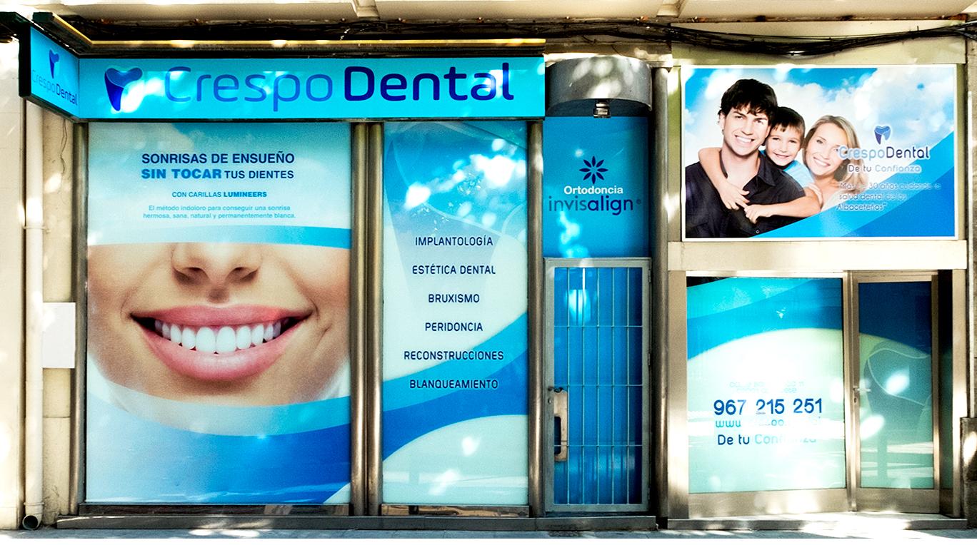 Diseño gráfico Albacete, diseño de vinilos escaparate e impresión de vinilos Albacete Crespo Dental