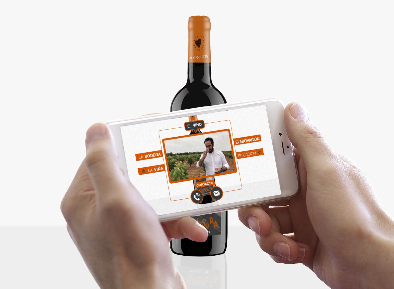 Diseño Etiquetas de vino con Realidad Aumentada Vino Travesura